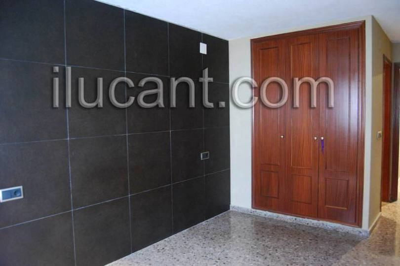 Alicante,Alicante,España,3 Bedrooms Bedrooms,2 BathroomsBathrooms,Pisos,14318