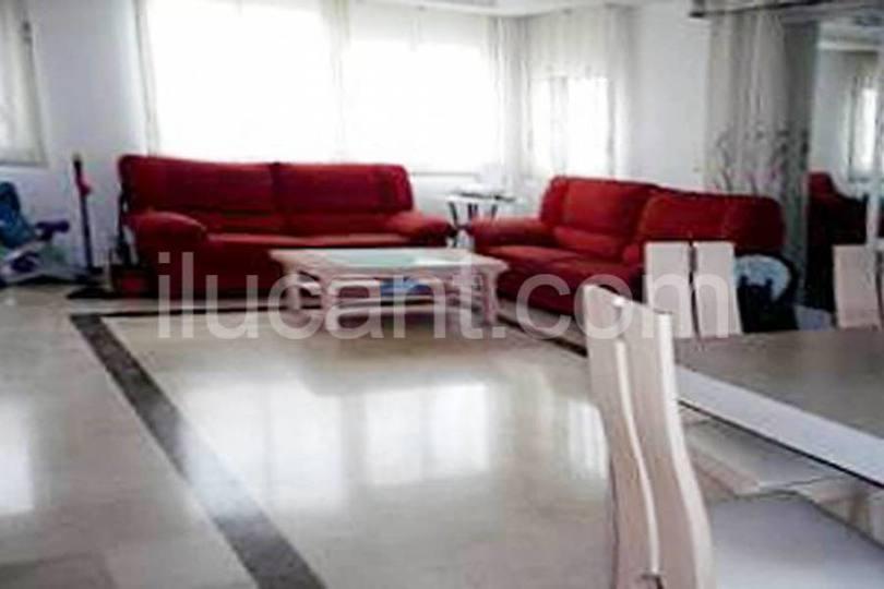 Alicante,Alicante,España,3 Bedrooms Bedrooms,2 BathroomsBathrooms,Pisos,14319