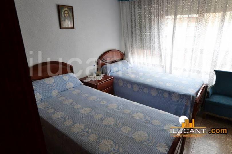 Alicante,Alicante,España,3 Bedrooms Bedrooms,1 BañoBathrooms,Pisos,14323