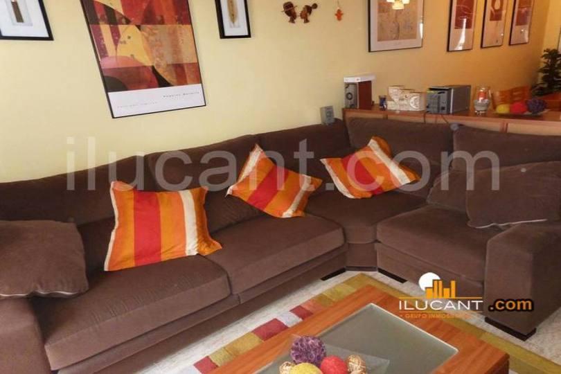 Alicante,Alicante,España,3 Bedrooms Bedrooms,2 BathroomsBathrooms,Pisos,14327