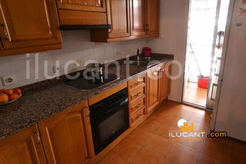 Alicante,Alicante,España,4 Bedrooms Bedrooms,2 BathroomsBathrooms,Pisos,14328