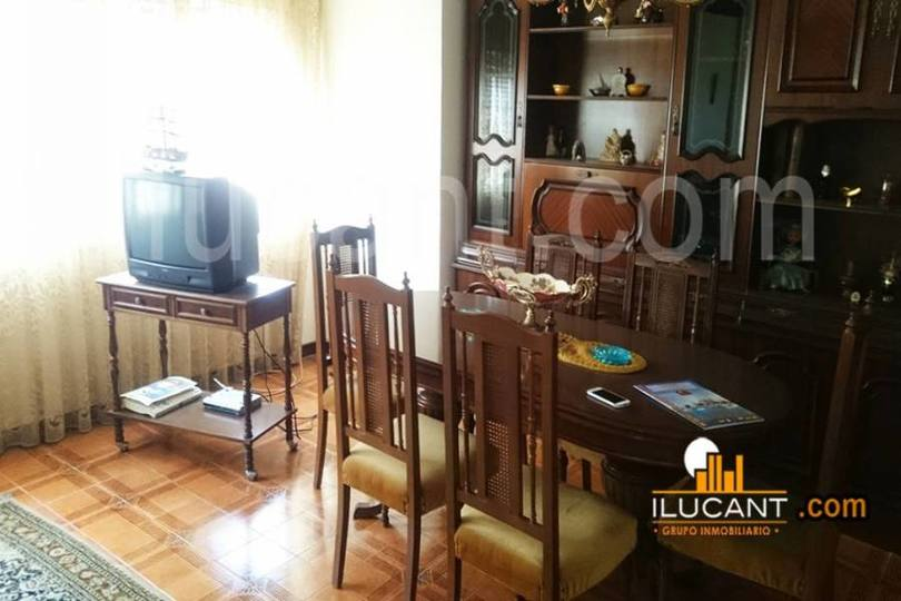Alicante,Alicante,España,4 Bedrooms Bedrooms,2 BathroomsBathrooms,Pisos,14329
