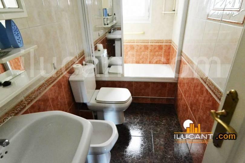 Alicante,Alicante,España,4 Bedrooms Bedrooms,2 BathroomsBathrooms,Pisos,14333