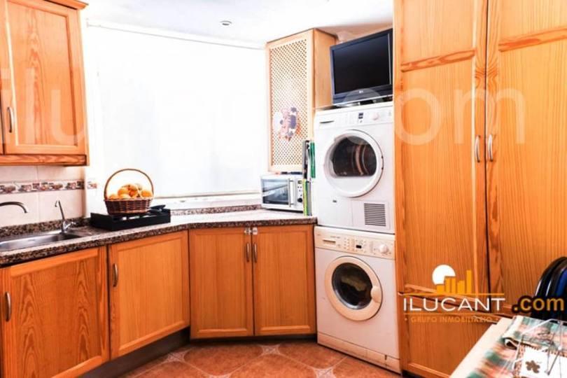 Alicante, Alicante, España, 3 Bedrooms Bedrooms, ,2 BathroomsBathrooms,Pisos,Venta,14343