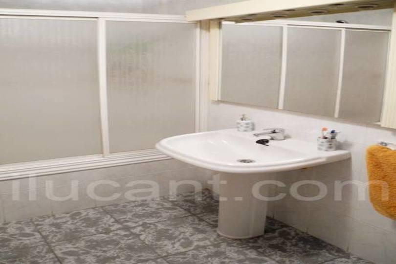 Alicante,Alicante,España,3 Bedrooms Bedrooms,2 BathroomsBathrooms,Pisos,14346