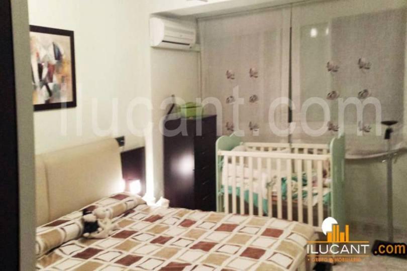 Alicante,Alicante,España,3 Bedrooms Bedrooms,1 BañoBathrooms,Pisos,14348