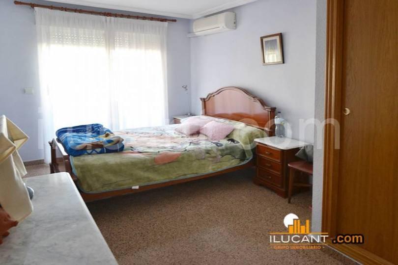 Alicante,Alicante,España,3 Bedrooms Bedrooms,2 BathroomsBathrooms,Pisos,14352