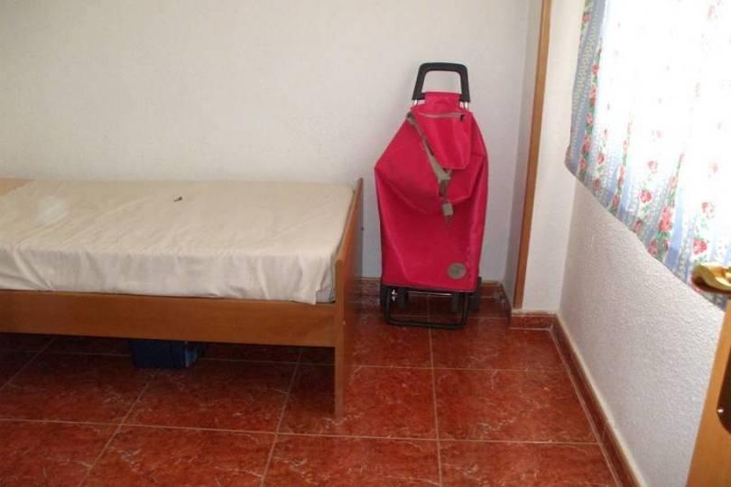 Alicante,Alicante,España,4 Bedrooms Bedrooms,2 BathroomsBathrooms,Pisos,14356