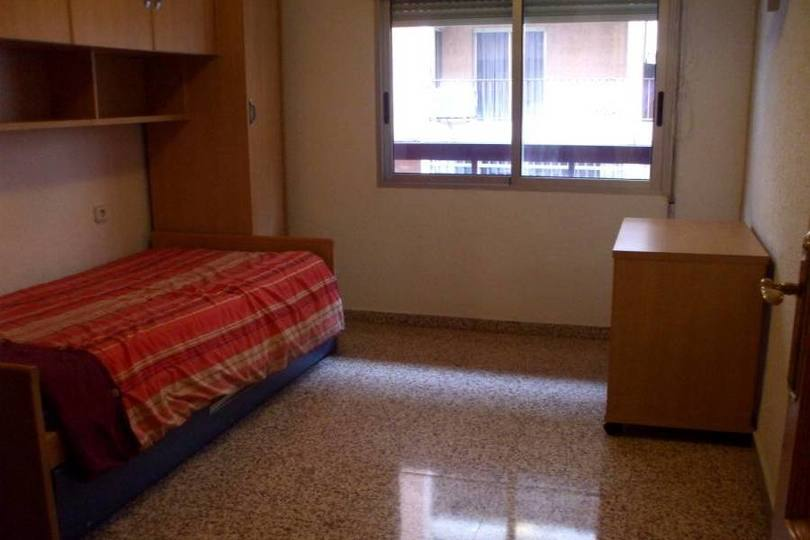 Alicante,Alicante,España,4 Bedrooms Bedrooms,2 BathroomsBathrooms,Pisos,14357