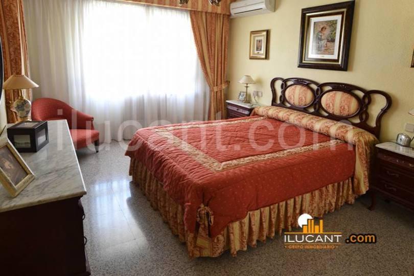 Alicante,Alicante,España,5 Bedrooms Bedrooms,2 BathroomsBathrooms,Pisos,14358