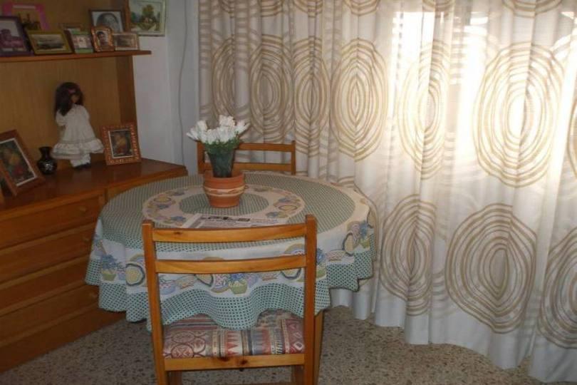 Alicante,Alicante,España,3 Bedrooms Bedrooms,1 BañoBathrooms,Pisos,14360