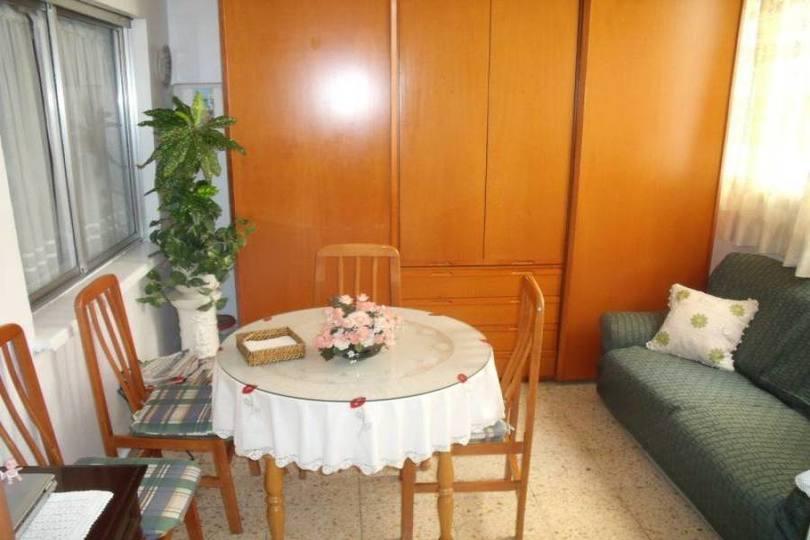 Alicante,Alicante,España,3 Bedrooms Bedrooms,1 BañoBathrooms,Pisos,14367