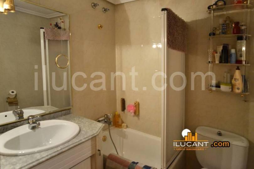 Alicante,Alicante,España,4 Bedrooms Bedrooms,2 BathroomsBathrooms,Pisos,14369