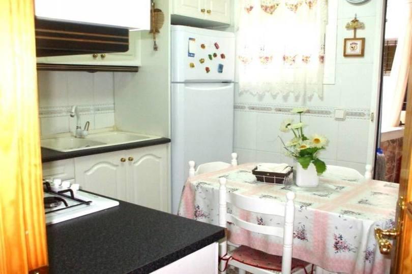Alicante,Alicante,España,3 Bedrooms Bedrooms,1 BañoBathrooms,Pisos,14379
