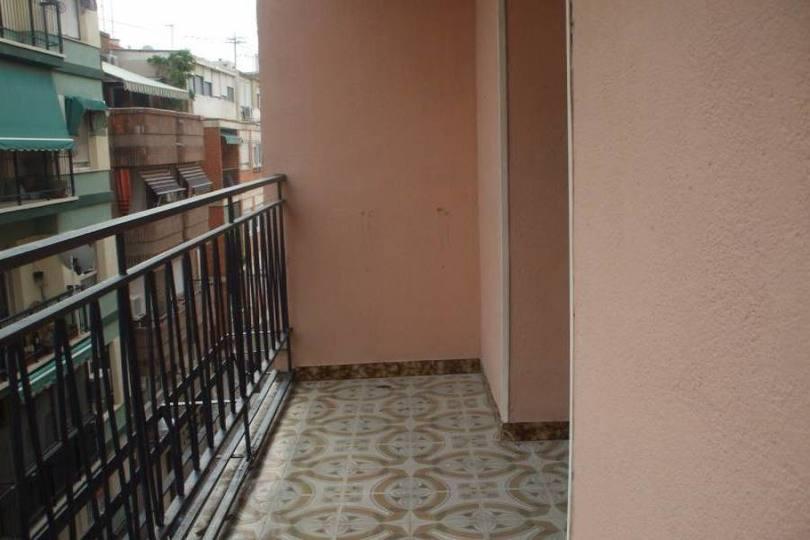 Alicante,Alicante,España,3 Bedrooms Bedrooms,1 BañoBathrooms,Pisos,14382