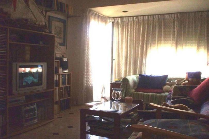 Alicante,Alicante,España,3 Bedrooms Bedrooms,1 BañoBathrooms,Pisos,14383