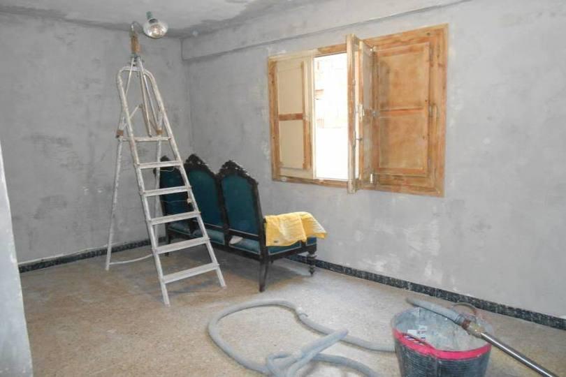 Alicante,Alicante,España,3 Bedrooms Bedrooms,1 BañoBathrooms,Pisos,14399