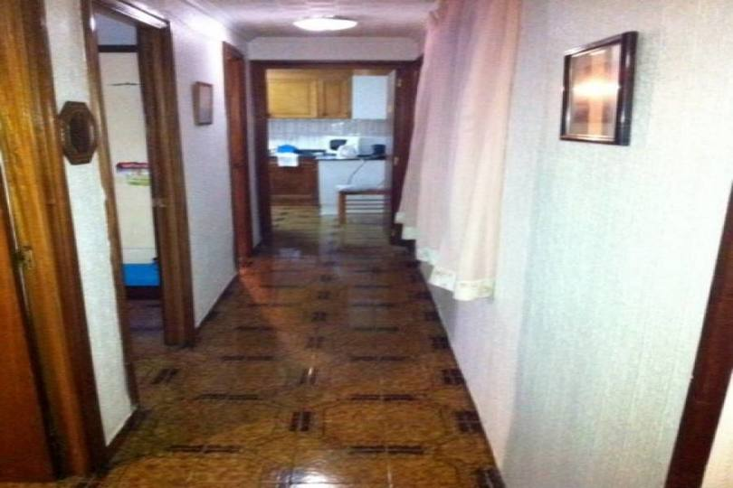 Alicante,Alicante,España,4 Bedrooms Bedrooms,1 BañoBathrooms,Pisos,14413
