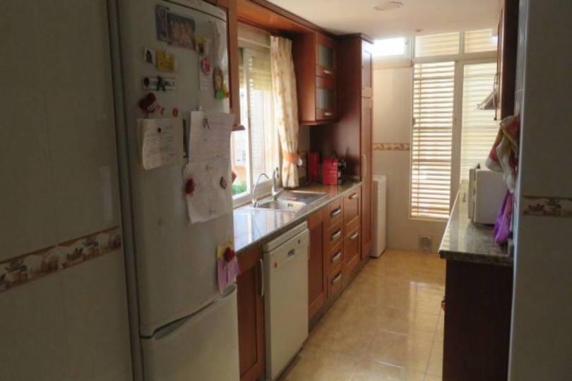 Alicante,Alicante,España,3 Bedrooms Bedrooms,2 BathroomsBathrooms,Pisos,14414