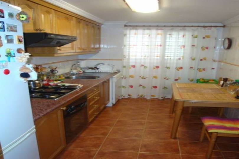 Alicante,Alicante,España,3 Bedrooms Bedrooms,2 BathroomsBathrooms,Pisos,14416