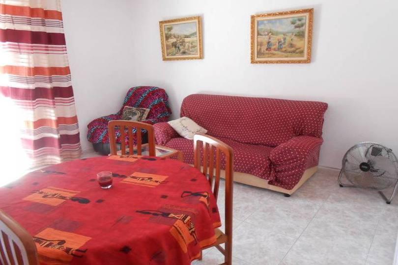 Alicante,Alicante,España,4 Bedrooms Bedrooms,1 BañoBathrooms,Pisos,14425