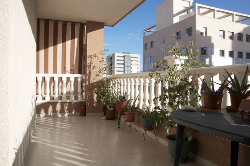Alicante,Alicante,España,3 Bedrooms Bedrooms,2 BathroomsBathrooms,Pisos,14428