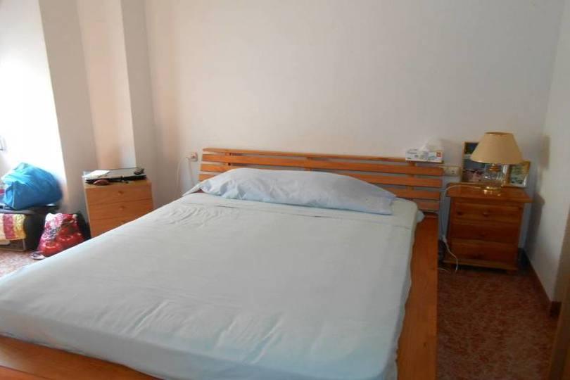 Alicante,Alicante,España,4 Bedrooms Bedrooms,2 BathroomsBathrooms,Pisos,14429