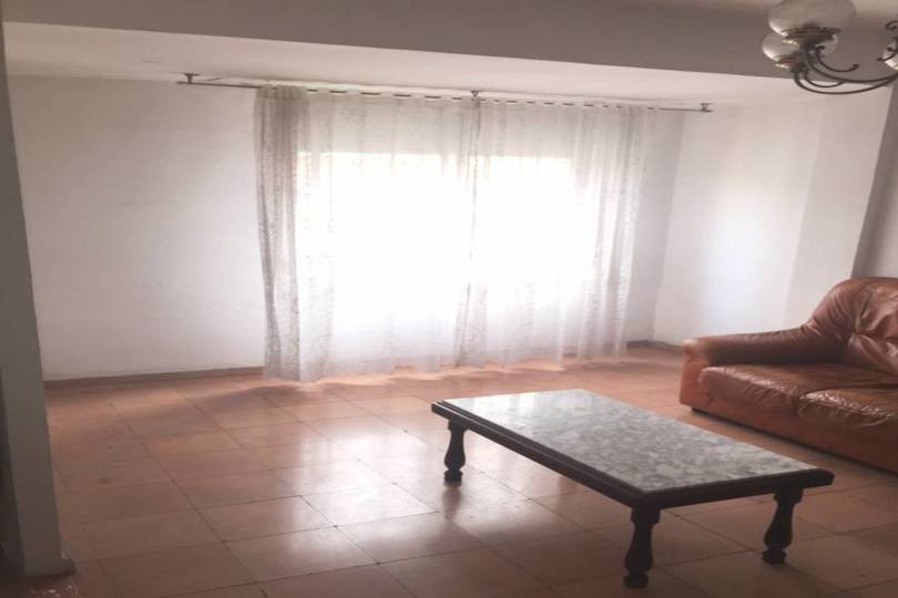 Alicante,Alicante,España,3 Bedrooms Bedrooms,1 BañoBathrooms,Pisos,14440