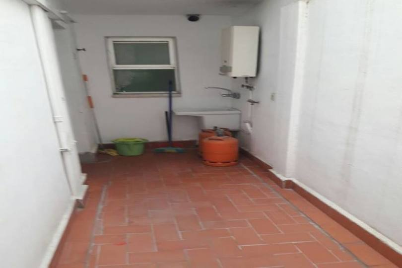 Alicante,Alicante,España,4 Bedrooms Bedrooms,2 BathroomsBathrooms,Pisos,14448
