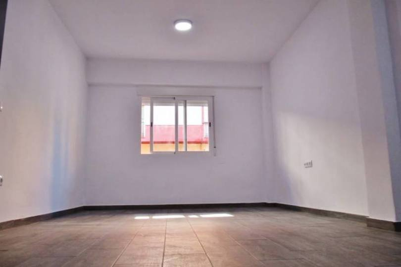 Alicante,Alicante,España,2 Bedrooms Bedrooms,1 BañoBathrooms,Pisos,14449