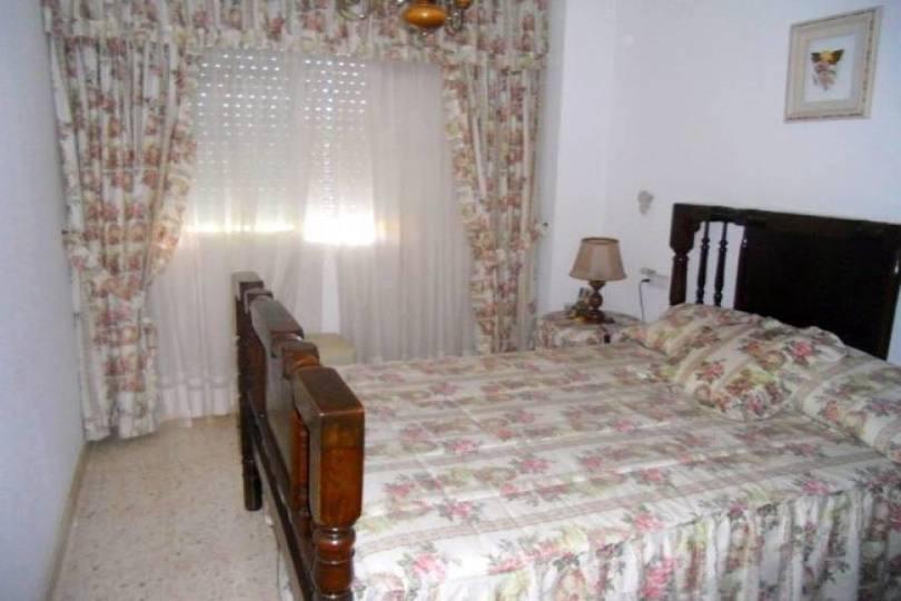 Alicante,Alicante,España,3 Bedrooms Bedrooms,1 BañoBathrooms,Pisos,14459