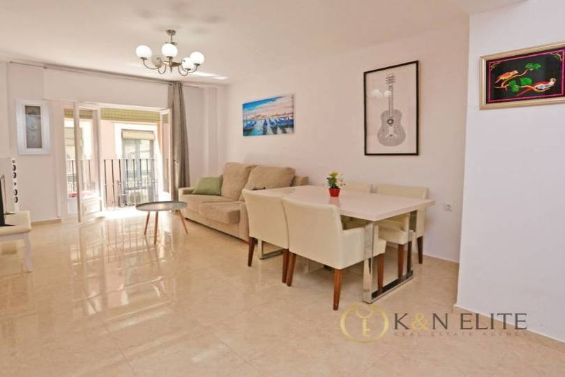 Alicante,Alicante,España,3 Bedrooms Bedrooms,2 BathroomsBathrooms,Pisos,14461