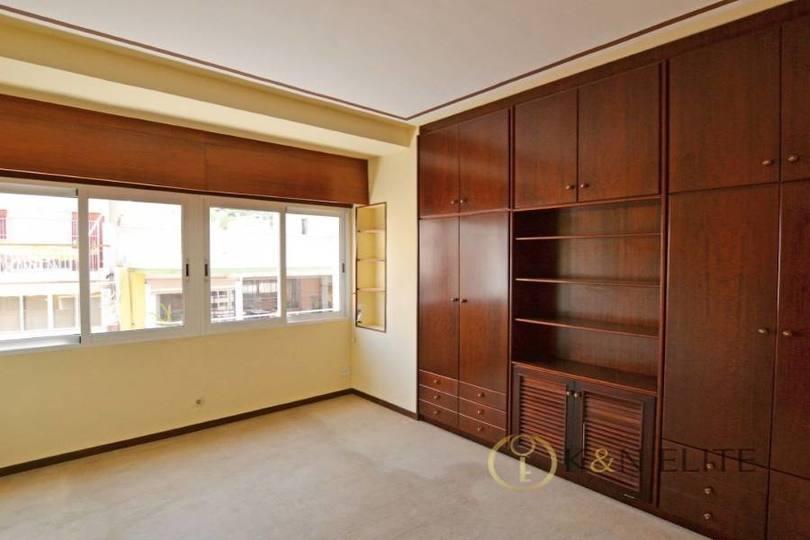 Alicante,Alicante,España,4 Bedrooms Bedrooms,4 BathroomsBathrooms,Pisos,14468