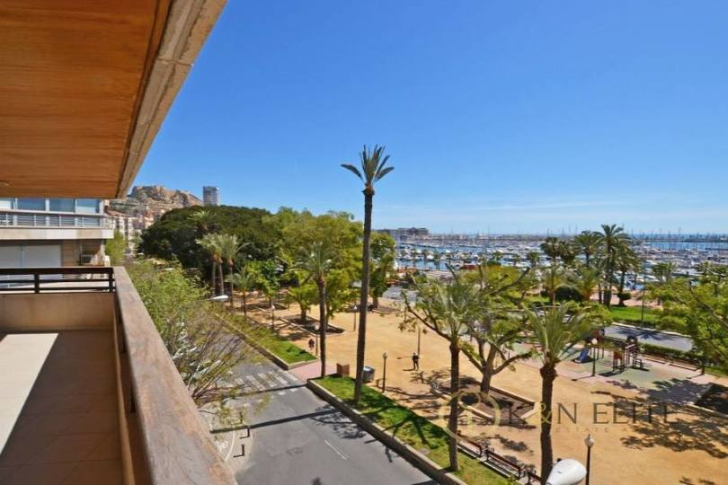 Alicante,Alicante,España,5 Bedrooms Bedrooms,4 BathroomsBathrooms,Pisos,14473