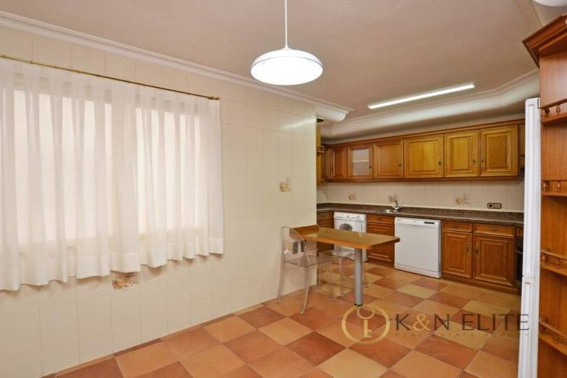 Alicante,Alicante,España,4 Bedrooms Bedrooms,2 BathroomsBathrooms,Pisos,14475