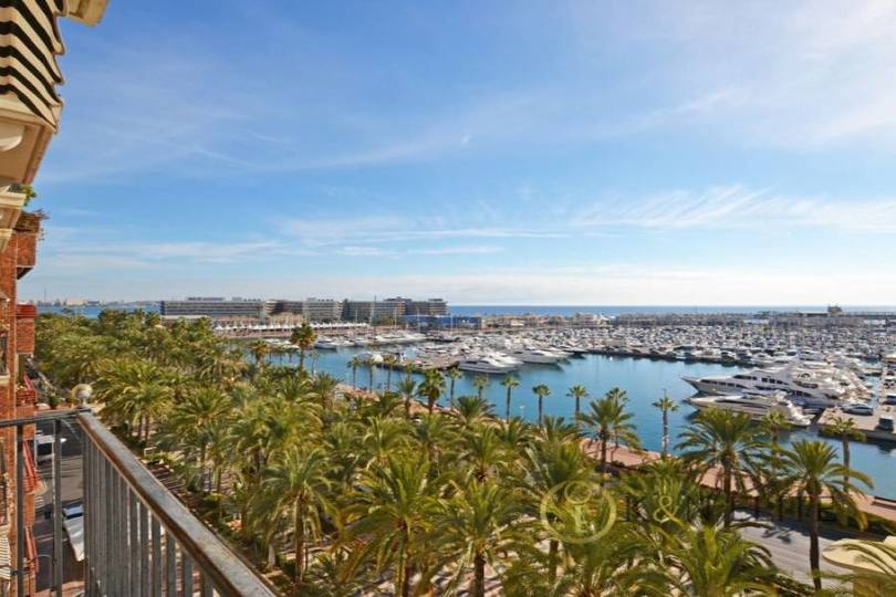 Alicante,Alicante,España,4 Bedrooms Bedrooms,2 BathroomsBathrooms,Pisos,14482