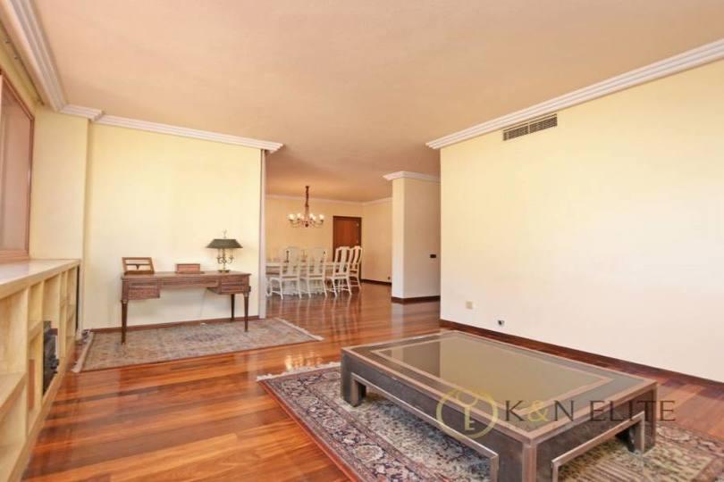 Alicante,Alicante,España,4 Bedrooms Bedrooms,4 BathroomsBathrooms,Pisos,14483