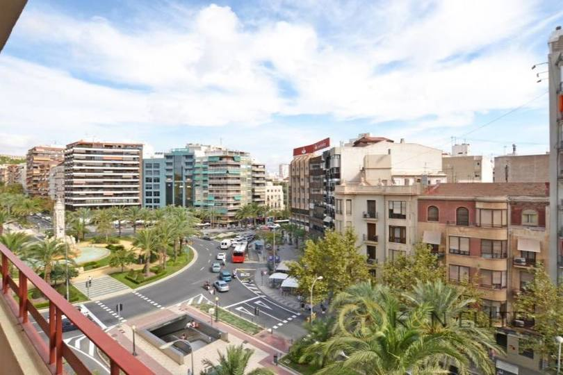 Alicante,Alicante,España,4 Bedrooms Bedrooms,3 BathroomsBathrooms,Pisos,14486