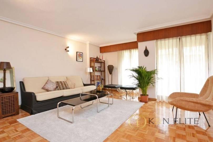 Alicante,Alicante,España,4 Bedrooms Bedrooms,2 BathroomsBathrooms,Pisos,14488