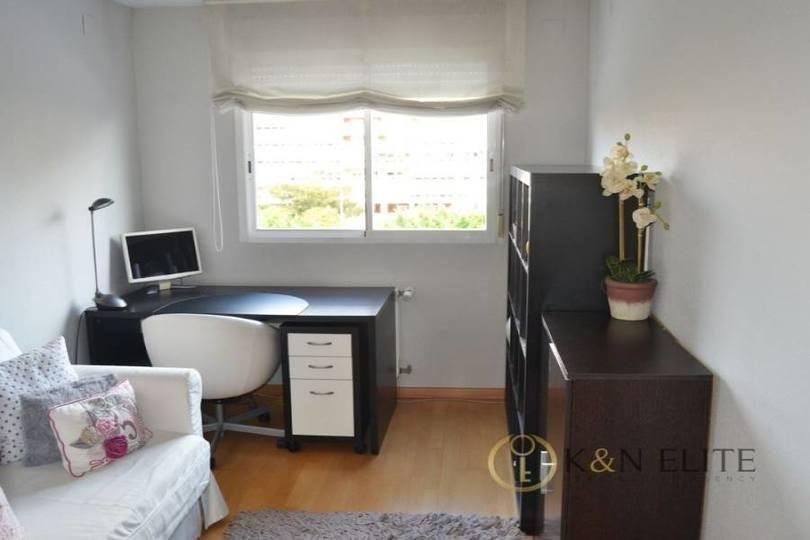 Alicante,Alicante,España,3 Bedrooms Bedrooms,2 BathroomsBathrooms,Pisos,14492