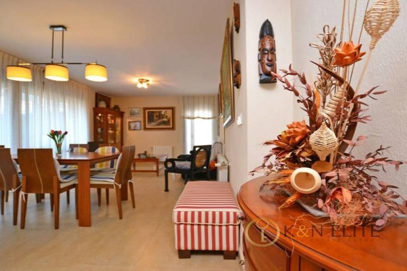 Alicante,Alicante,España,3 Bedrooms Bedrooms,2 BathroomsBathrooms,Pisos,14493