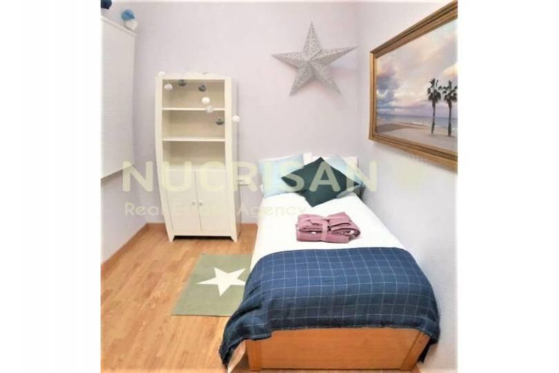 Alicante,Alicante,España,4 Bedrooms Bedrooms,1 BañoBathrooms,Pisos,14498