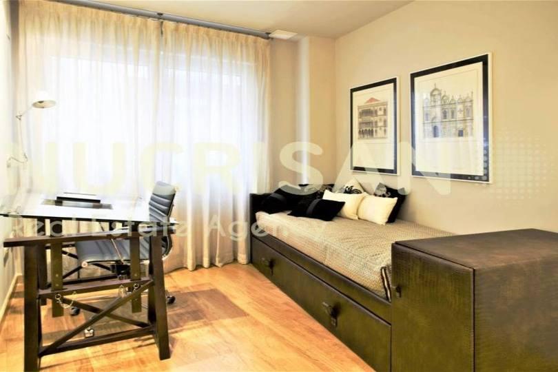 Alicante,Alicante,España,3 Bedrooms Bedrooms,2 BathroomsBathrooms,Pisos,14533