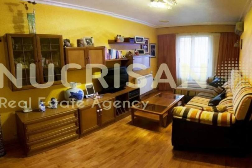 Alicante,Alicante,España,4 Bedrooms Bedrooms,1 BañoBathrooms,Pisos,14563