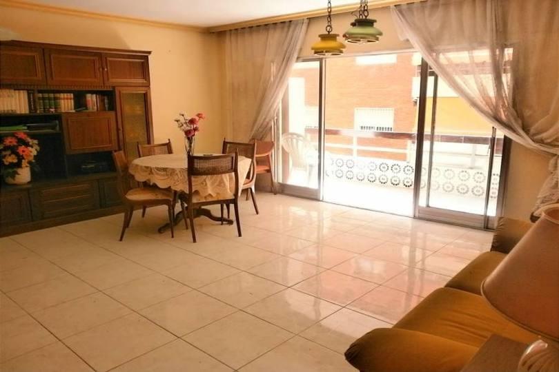Benidorm,Alicante,España,4 Bedrooms Bedrooms,1 BañoBathrooms,Pisos,14685