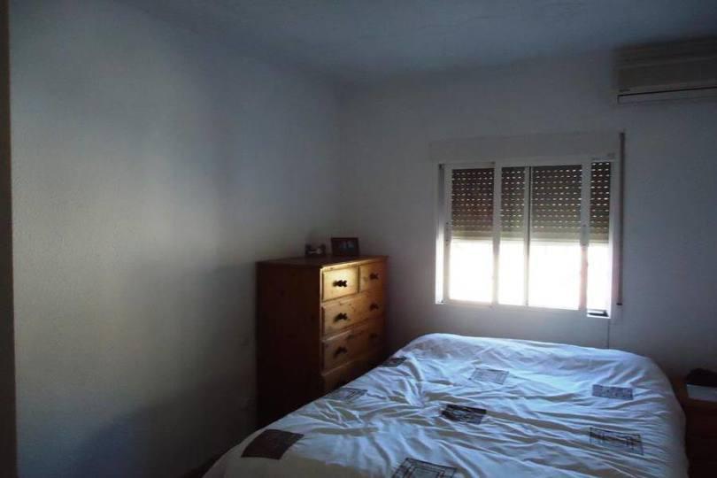 Crevillent,Alicante,España,4 Habitaciones Habitaciones,2 BañosBaños,Fincas-Villas,2221