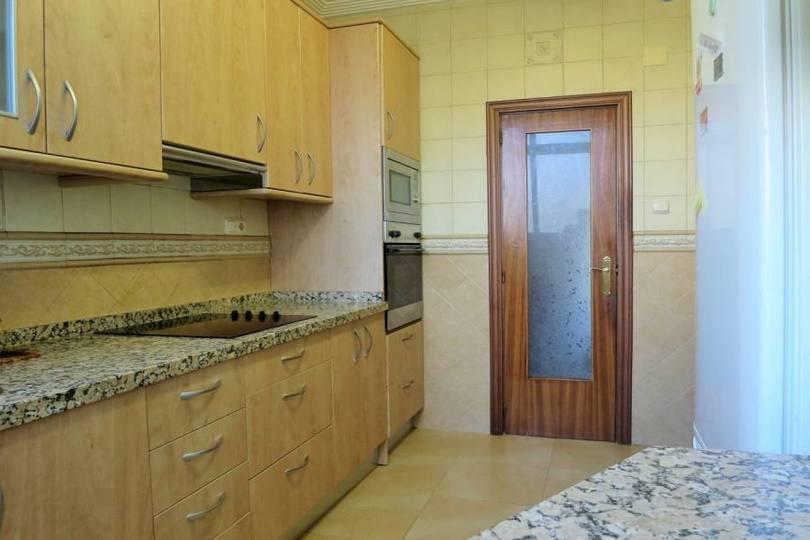 Alicante,Alicante,España,3 Bedrooms Bedrooms,1 BañoBathrooms,Pisos,14759