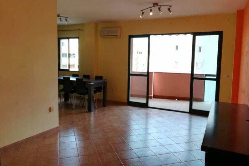 Alicante,Alicante,España,3 Bedrooms Bedrooms,2 BathroomsBathrooms,Pisos,14768