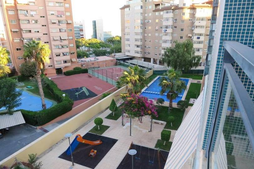 Alicante,Alicante,España,3 Bedrooms Bedrooms,2 BathroomsBathrooms,Pisos,14769