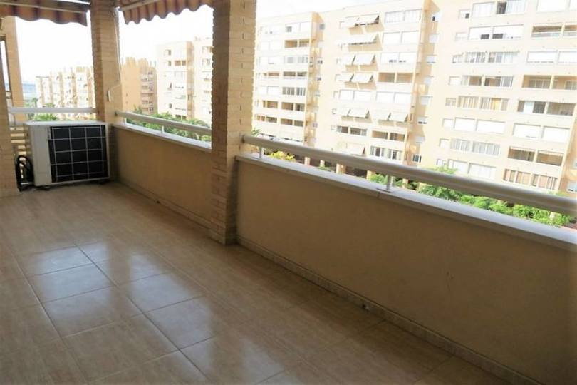 Alicante,Alicante,España,3 Bedrooms Bedrooms,2 BathroomsBathrooms,Pisos,14776